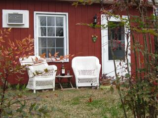 The Country Cottage, Pollocksville NC (Eastern NC) - Pollocksville vacation rentals