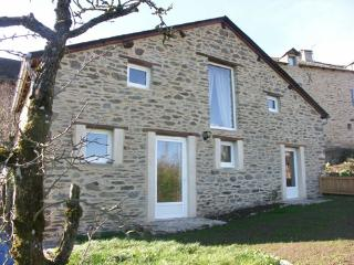 Gite de la Fontaine de Barry - Le Vibal vacation rentals
