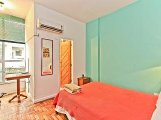 RioBeachRentals - Ipanema 1 Bedroom near the Beach - Ipanema vacation rentals