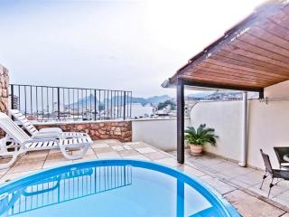 RioBeachRentals - 2 Bed Duplex Penthouse with Pool - Copacabana vacation rentals