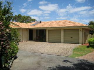 Shoalwater Holiday House - A Lovely Place to Stay - Safety Bay vacation rentals