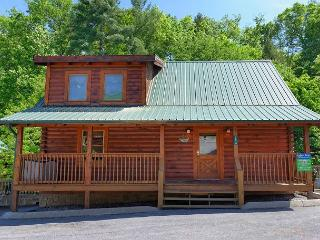 Pigeon Forge resort cabin Whispering Creek 302 - Sevierville vacation rentals