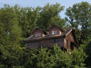 Dolly's Dream,2br log townhouse in Pigeon Forge TN near Dollywood - Sevierville vacation rentals
