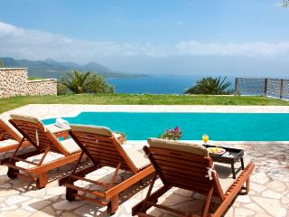 Villa Chritina, private villa with private pool sea views, bbq, garden near Nidri - Lefkas vacation rentals
