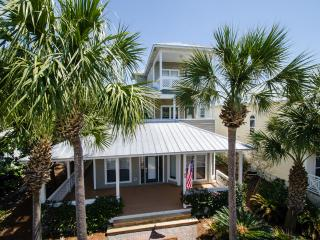 Sunset House - Close to beaches, shops and dining. - Destin vacation rentals