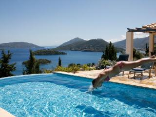 Luxury private villa with infinity pool, garden panoramic sea views, bbq, Perigiali near Nidri - Lefkas vacation rentals