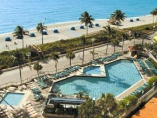 Lovely Condo right on the Beach - Image 1 - Hollywood - rentals