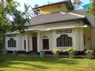 Moon House, Mirissa - Hikkaduwa vacation rentals