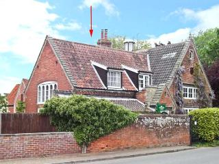 OLD SCHOOL LODGE romantic retreat, village centre, spiral staircase in Lyng Ref 25576 - Norfolk vacation rentals