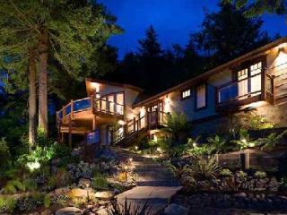Serene water & mountain view Sonoma River House with tranquil grounds & jacuzzi - Duncans Mills vacation rentals