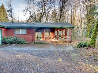 The Red Relaxer Mt Hood Retreat - Rhododendron vacation rentals