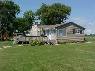 3 Bdrm, 2 Bath home on Lake Winnebago - Wisconsin - Wisconsin vacation rentals