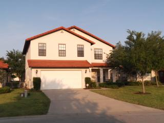 Perfect location to explore, parks and Florida - Clermont vacation rentals