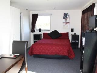St Andrews Studio - just 1km from Havelock North - Hastings vacation rentals