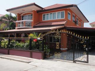 Pattaya Pool Villa Onyx - Jomtien Beach vacation rentals