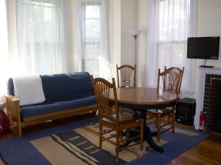 Nice Studio with great light in fabulous location - Portland vacation rentals