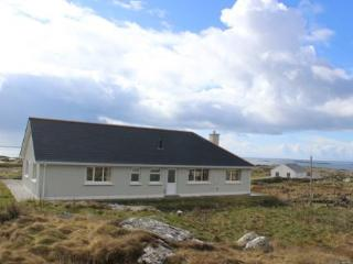 Dolan - The most of the stunning views over the Atlantic Ocean. - Clifden vacation rentals