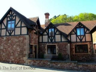 Grooms Cottage, Dunster - Sleeps 6 - Exmoor National Park - Medieval Village - Dunster vacation rentals