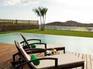 Luxury holiday house for 8 persons, with swimming pool , in Maspalomas - Grand Canary vacation rentals