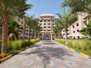 Grandeur Palm Residences (83059) - Dubai vacation rentals