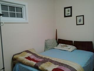 ONTARIO STREET ONE BED ROOM VISITOR ACCOMODATION - Port Hope vacation rentals