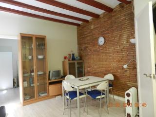 BEACH FLAT TOTALY EQUIPPED FOR 4 PEOPLE BARCELONA - Barcelona vacation rentals