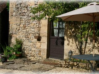 Independent B&B in duplex in a typical property - Hautefort vacation rentals