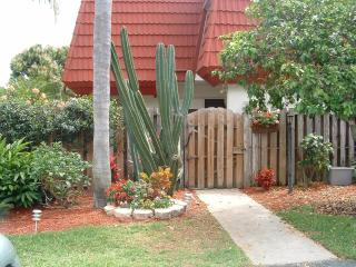 Townhouse near Ft. Myers Beach and Sanibel Island - Fort Myers vacation rentals