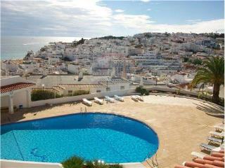 Cosy apt 5 min  old town Albufeira and  beach - Albufeira vacation rentals