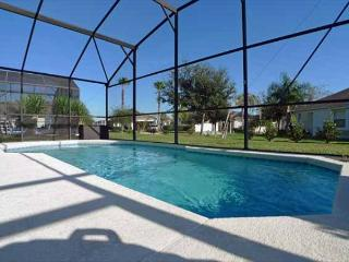 Palm Villa (Palms1344s) -Beautiful Sunrises over the South Facing Pool! - Davenport vacation rentals
