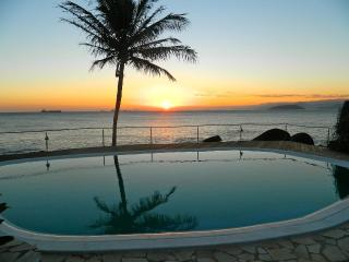 charming SUITES on the seashore (Sol-Lua) - State of Sao Paulo vacation rentals