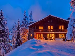 5 bedroom chalet with stunning Matterhorn Views. - Valais vacation rentals