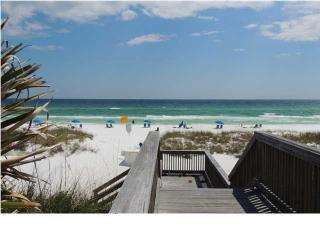 Gulfview II # 308 **DISCOUNTED SPRING RATES - EMAIL US TODAY* **FRESH NEW UPGRADES IN UNIT, BALCONY VIEW OF GULF, 60 YARDS TO PR - Destin vacation rentals