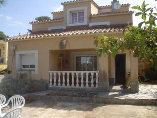 Vacation villa in the mountains, 15 km from beach. - Olivella vacation rentals