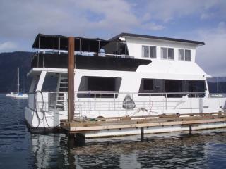 A Gem of a House Boat on the Pacific Ocean - Cowichan Bay vacation rentals