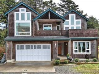 Pacific Breeze is a 5 bedroom 4 bath home with lots of space sleeps 10 - 48558 - Cannon Beach vacation rentals