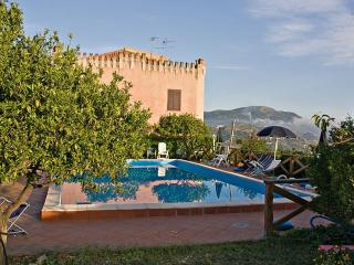 Sicily:rental house between country and ocean - Patti vacation rentals
