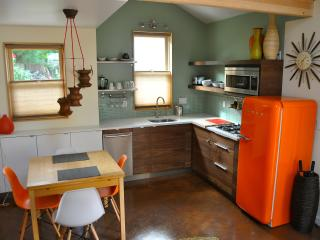 PDX Eco Cottage Guest House - Portland Metro vacation rentals