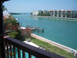 Luxury Waterfront GulfviewTownhouse - Indian Rocks Beach vacation rentals