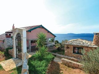 PRIVATE HOUSE FOR 6 PERSONS - OREBIC - Peljesac peninsula vacation rentals