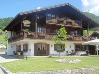 Vacation Apartment in Reit im Winkl - scenic, comfortable, high-quality (# 3911) - Reit im Winkl vacation rentals