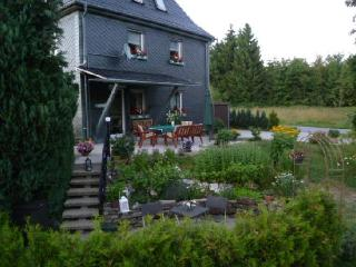 Vacation Home in Judenbach - 775 sqft, quiet, sunny, central (# 3937) - Thuringia vacation rentals