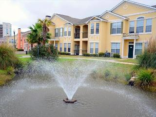 Beautiful 3 Bd / 2 Bth Ground Flr Double Garage Walking Dist to Beach LV-302 - Gulfport vacation rentals