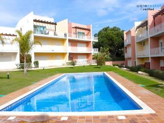 Marabi Brown Apartment - Portugal vacation rentals
