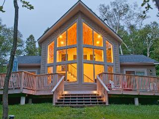 Red Bay Retreat cottage (#759) - Ontario vacation rentals
