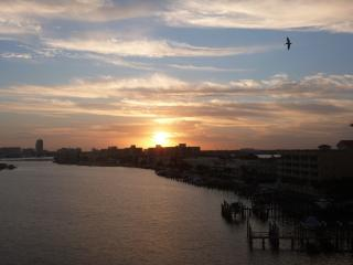 Waterfront 2 BR 2 BA condo Close to beach Sleeps 8 - Clearwater Beach vacation rentals