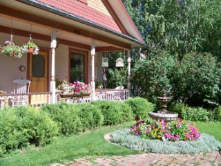 Two Bedrooms on First Floor 1914 Historic Home - Glenwood Springs vacation rentals