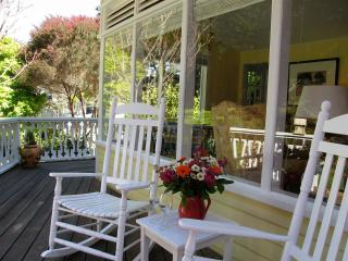Quiet, Cozy, Romantic Cottage 3 minutes from the village of Mendocino! - North Coast vacation rentals