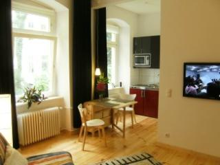 Berlin-Schöneberg 1 bedroom apartment  for guests - Berlin vacation rentals