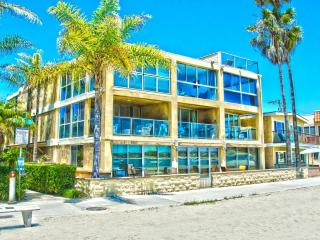 ***Amazing BEACH FRONT Retreat*** - Mission Beach vacation rentals
